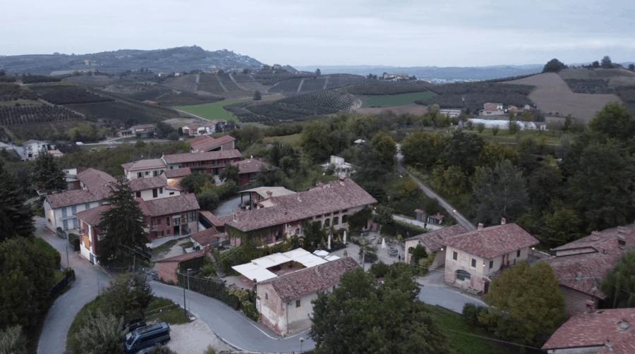 Ad Alba in un posto incantato: Casa Scaparone